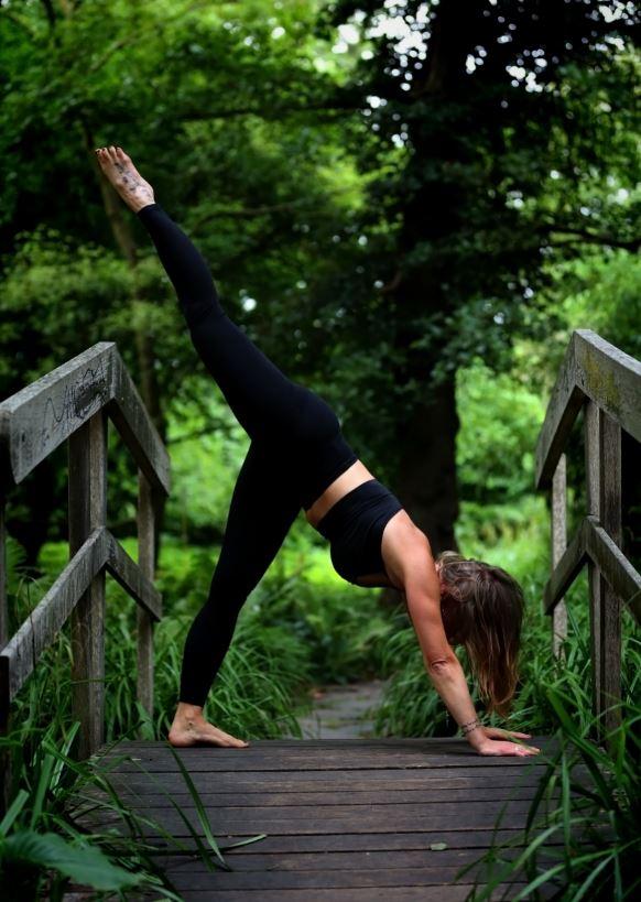 Yoga Jenny